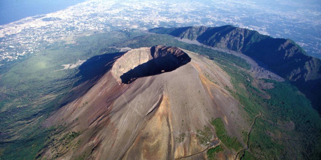 Vista de cima do vulcão Vesúvio