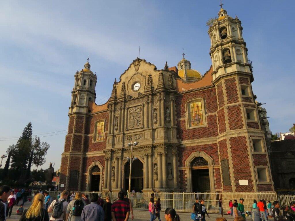 fachada da basílica de Nossa Senhora de Guadalupe